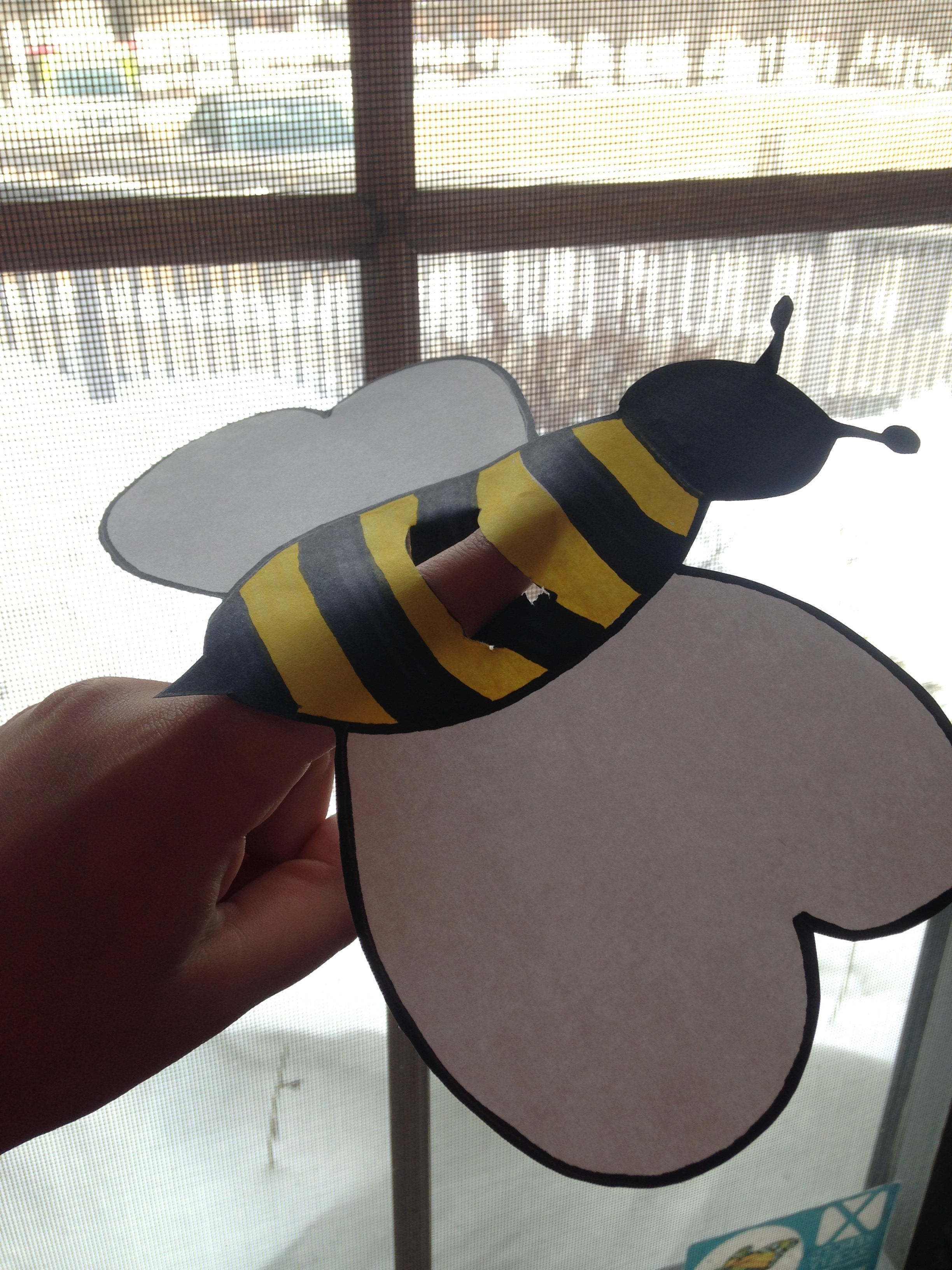 Five bee myths and truths dickinson county conservation for Bee finger puppet template