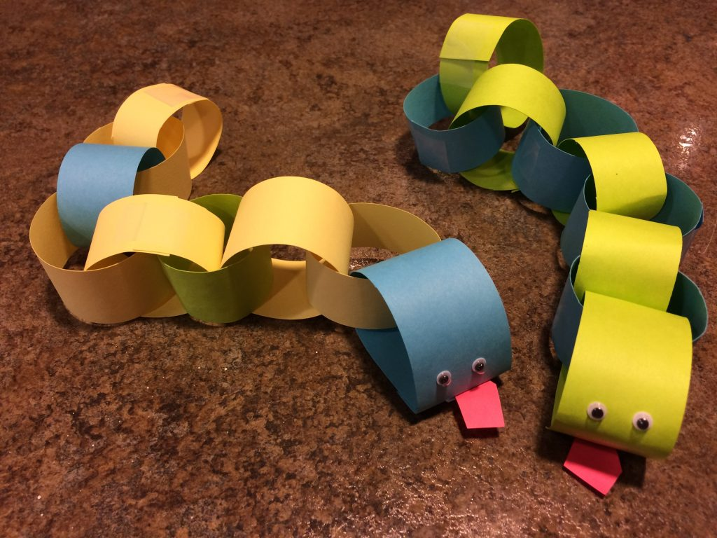 paper chain snakes